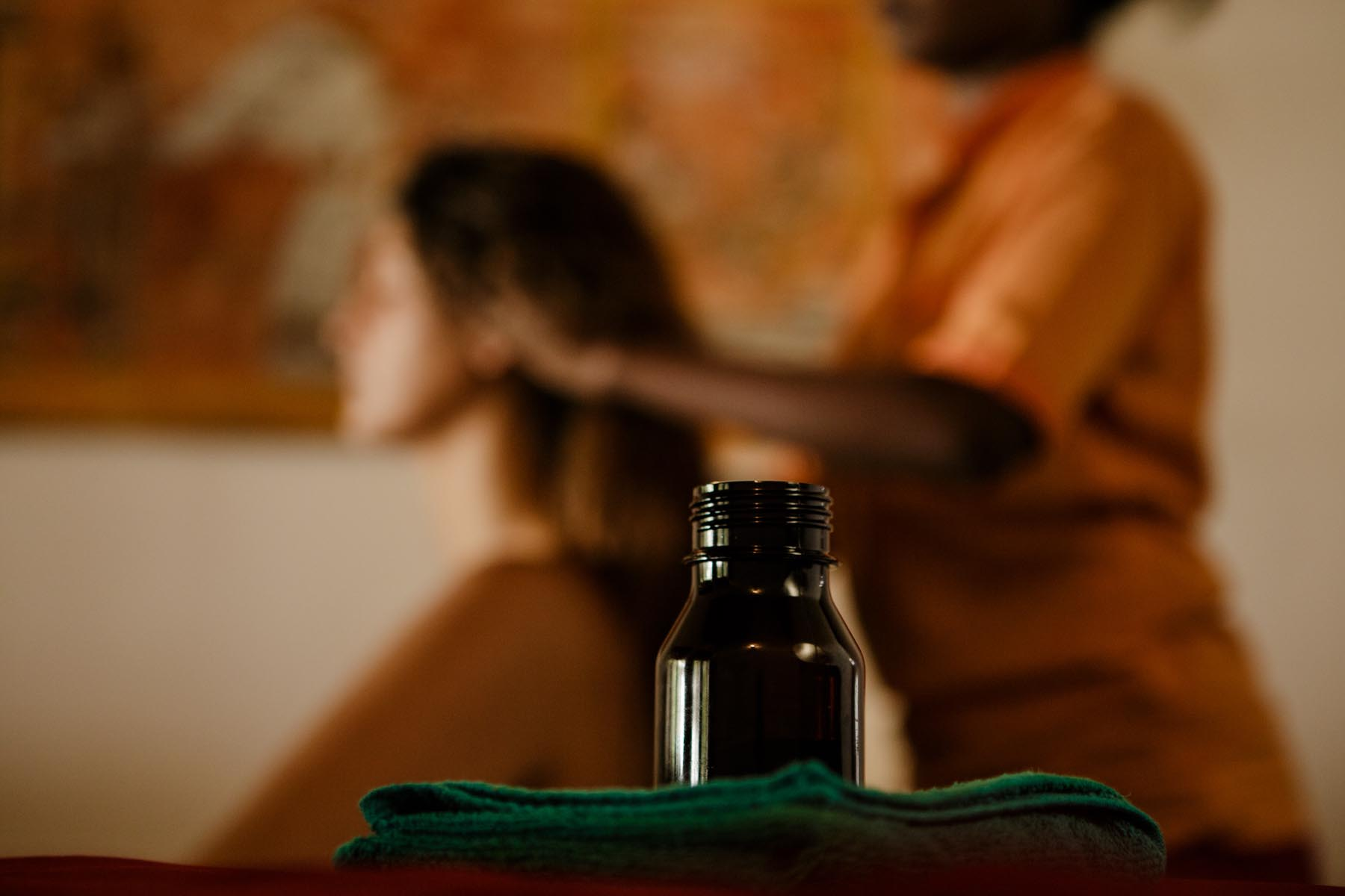 thaulle-resort-sri-lanka-ayurveda-cure-massage