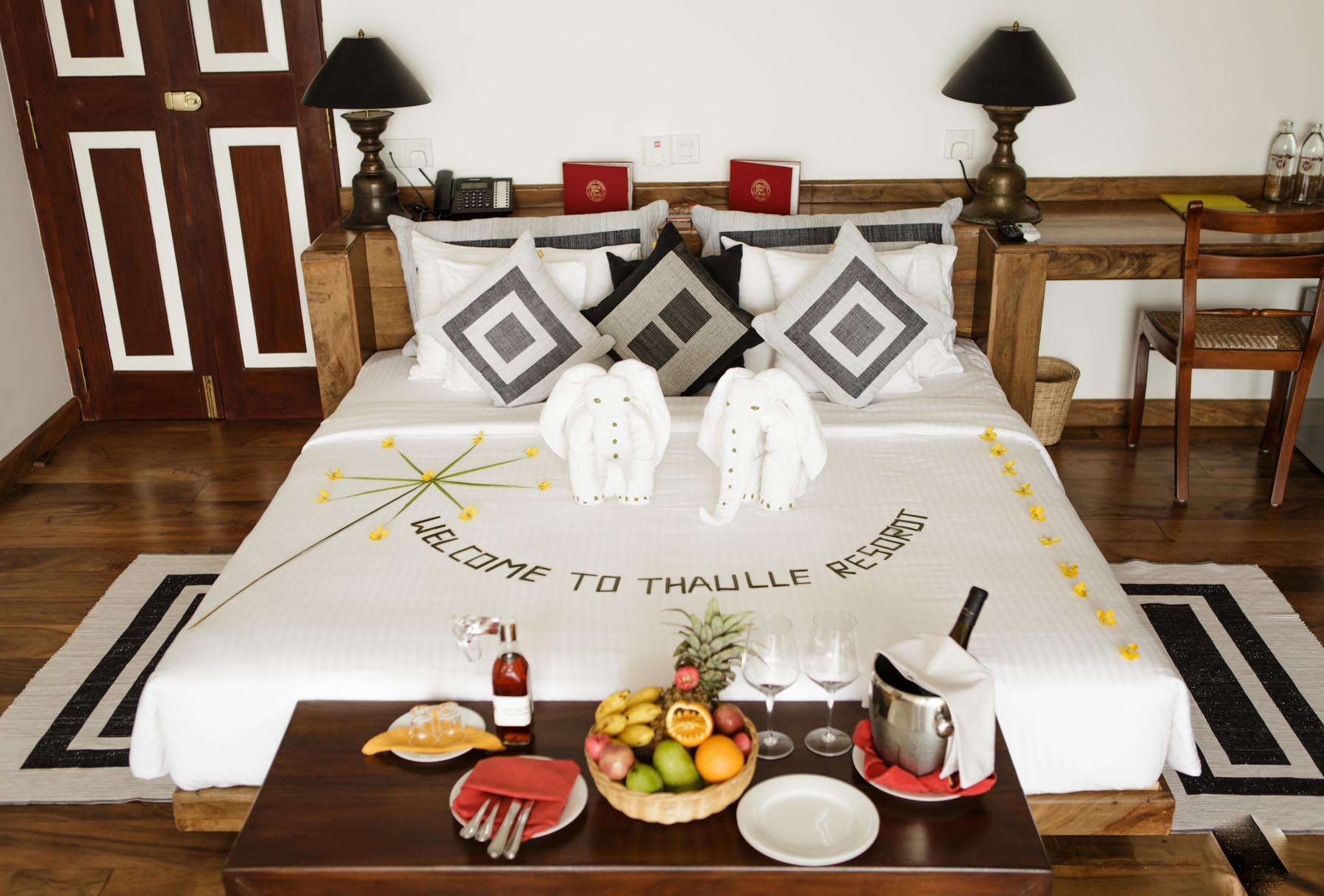 thaulle-resort-sri-lanka-classic-deluxe-bed