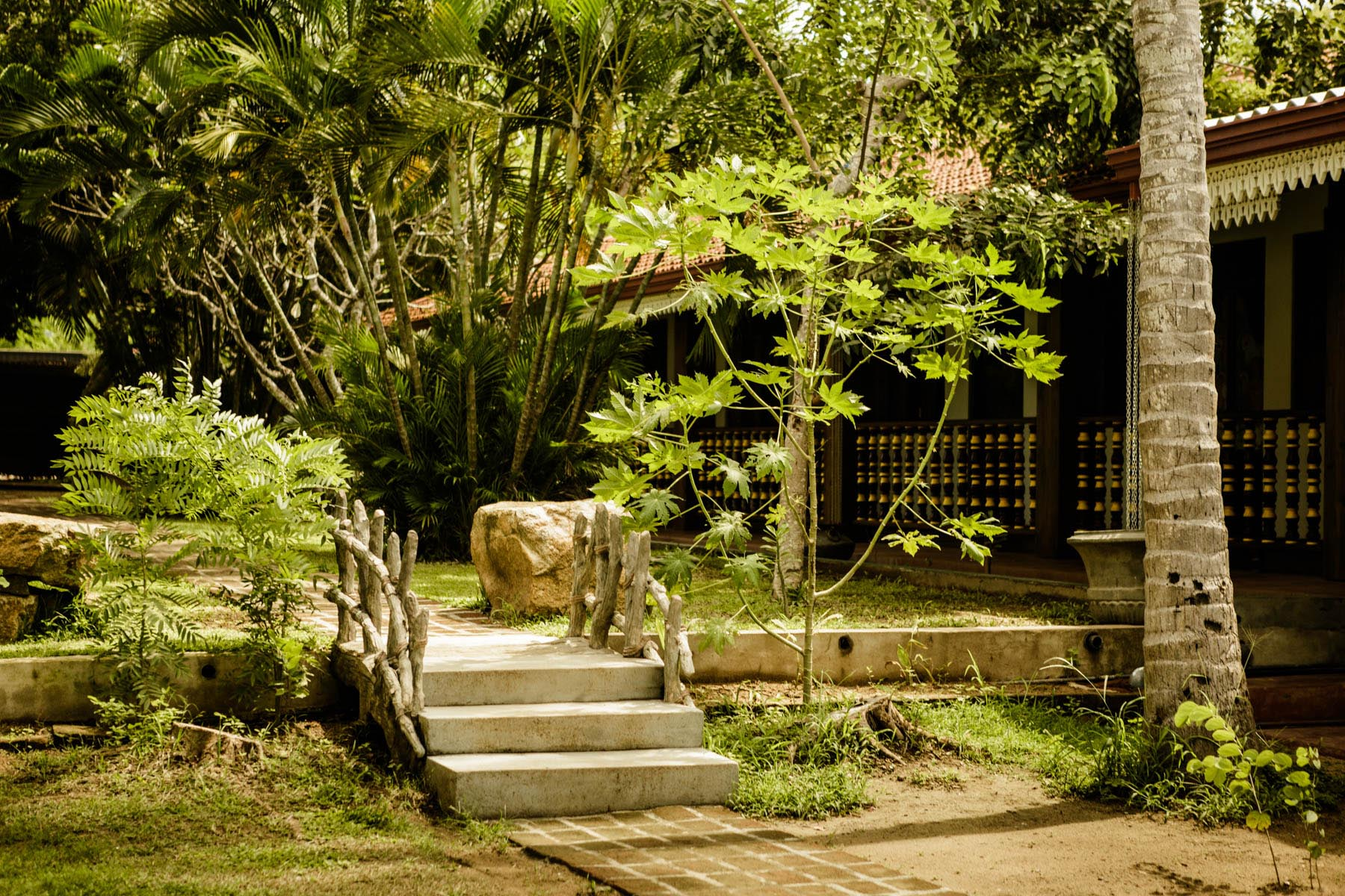 thaulle-resort-sri-lanka-garden-green-philosophie-ayurveda-center
