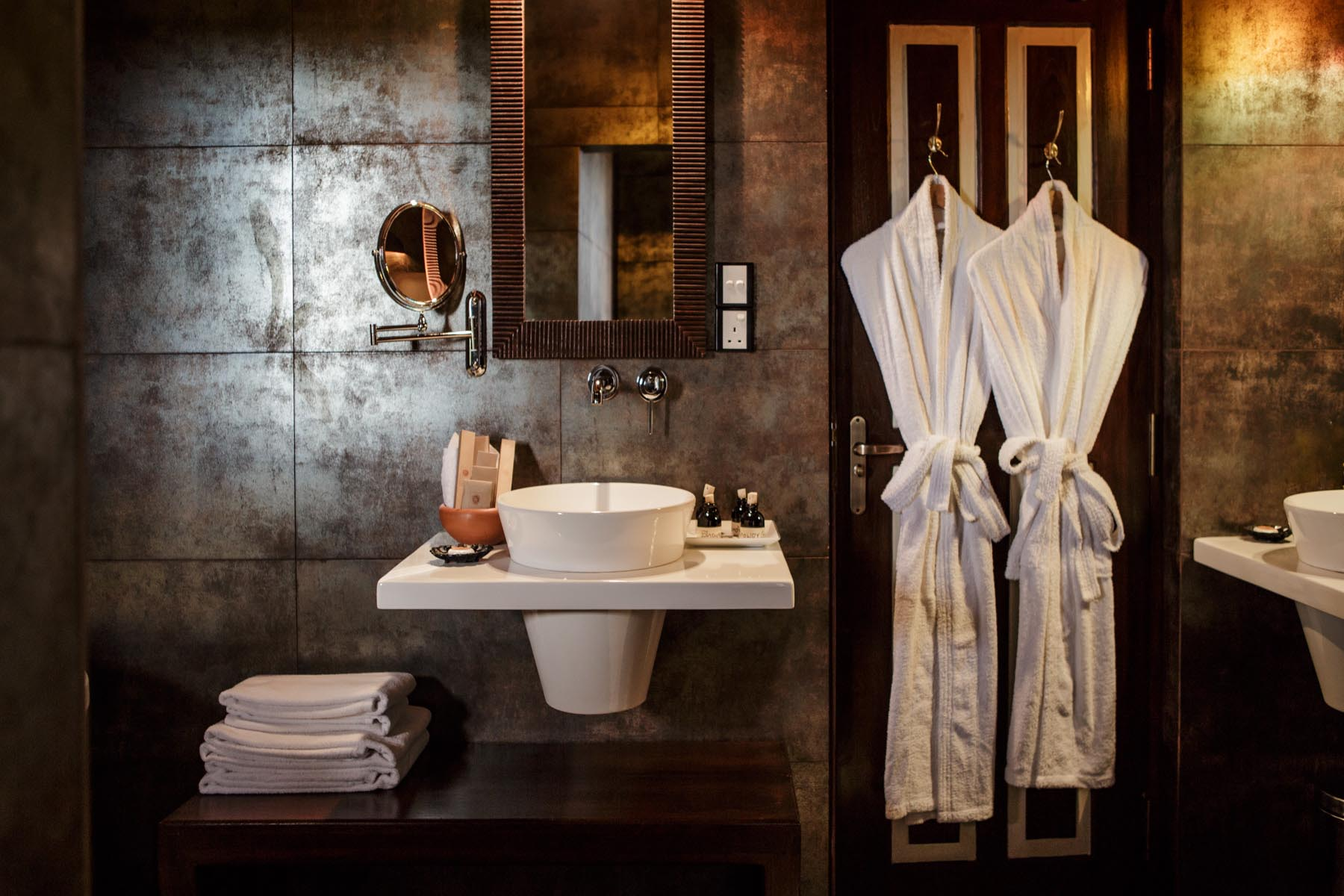 thaulle-resort-sri-lanka-thaulle-suite-bathroom-bathsin