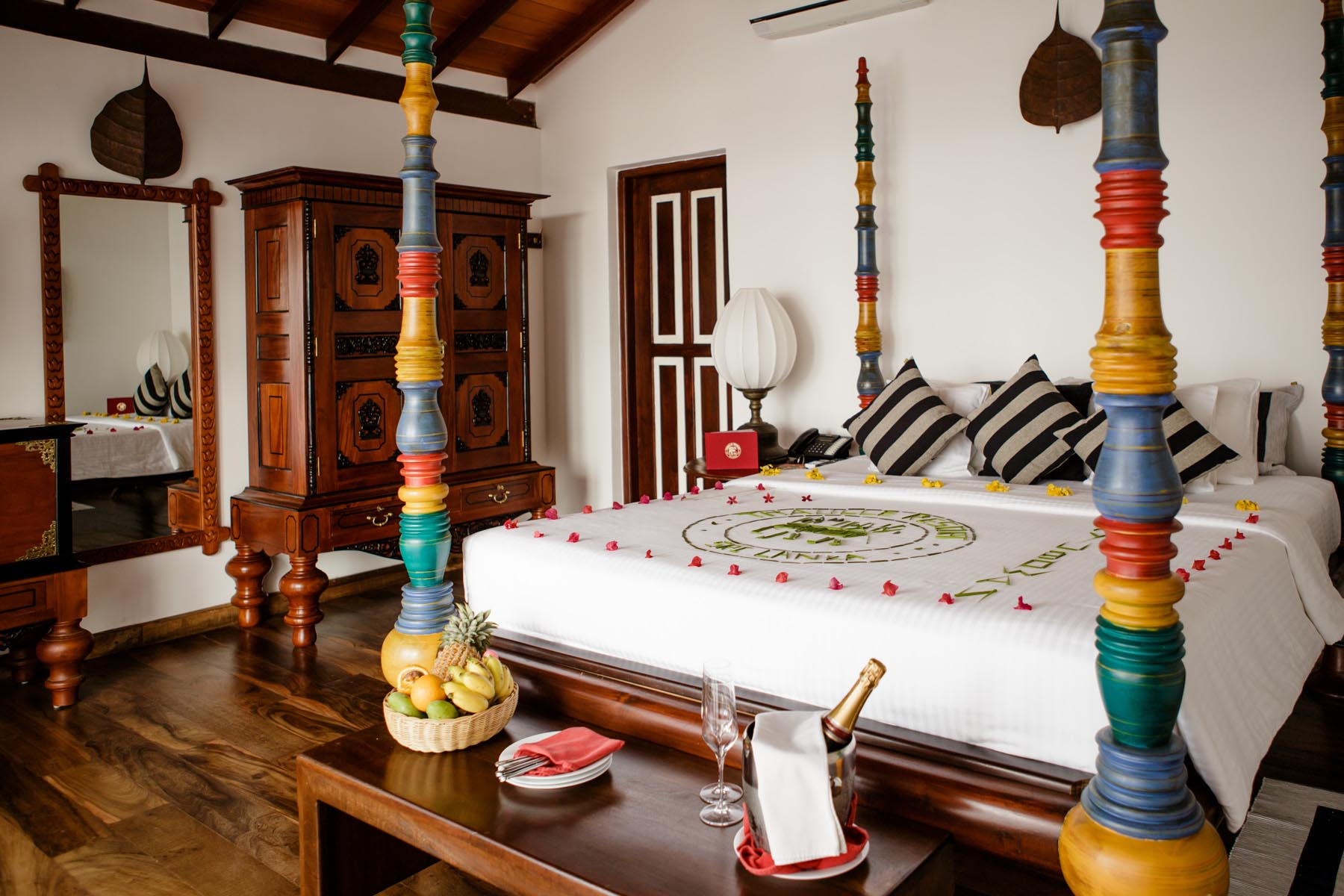 thaulle-resort-sri-lanka-thaulle-suite-bed-welcome-menu