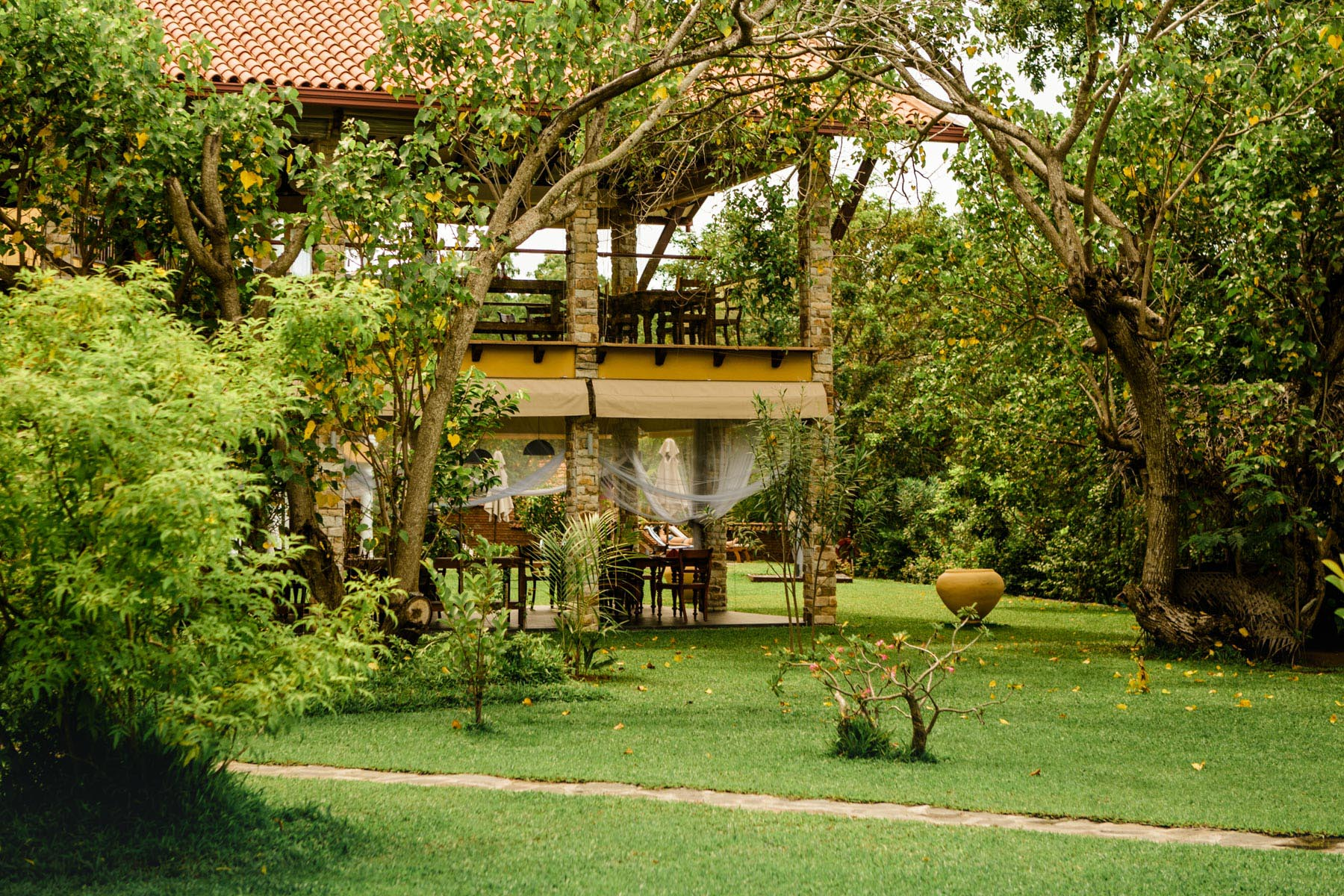 thaulle-resort-sri-lanka-the-restaurant